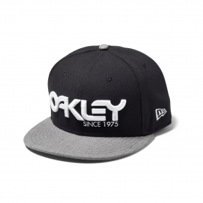 Oakley 75' Snap-Back Pet 91960-001 Zwart